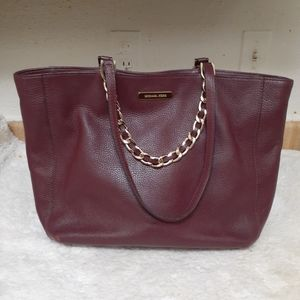 Michael kors leather handbags in good condition